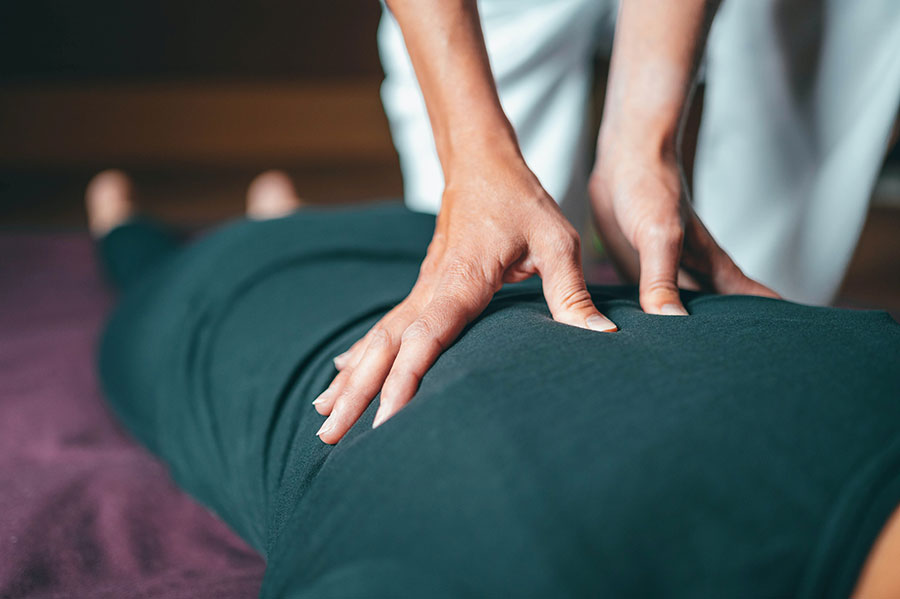 What does a typical physical therapy session look like?